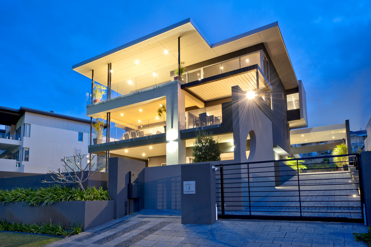 Luxury three storey Custom built in Mount Plesant View of outside